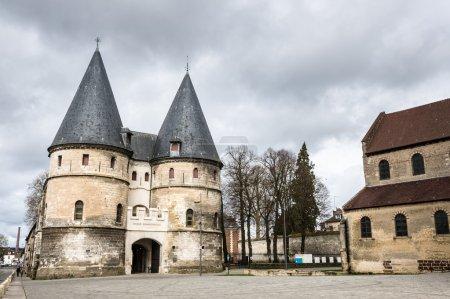 Photo pour Musée Provincial Beauvais par la cathédrale de Saint Pierre, Oise, France - image libre de droit