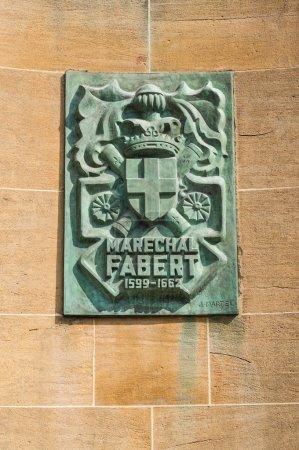 Photo pour Statue de la maréchal de Fabert sur la place d'Armes, Metz, Lorraine, France - image libre de droit