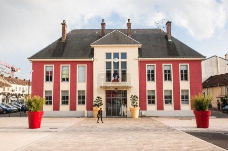 Old red building in Vesoul