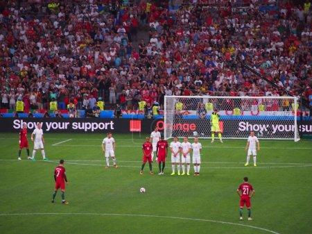Christiano Ronaldo lines up a