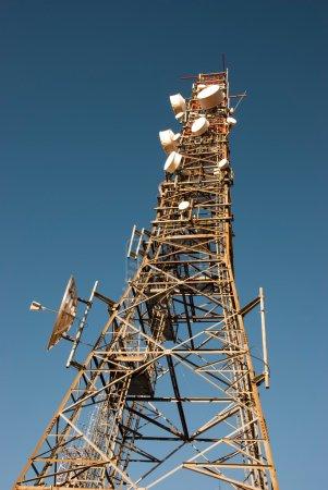 Radio telecommunications tower