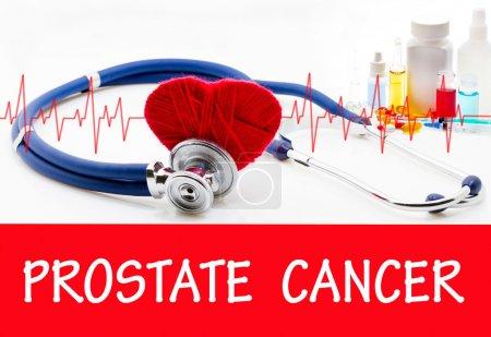Photo pour Le diagnostic de cancer de la prostate. Phonendoscope et vaccin avec des médicaments. Concept médical. - image libre de droit