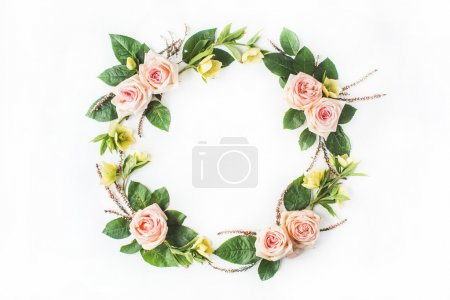round frame wreath with pink roses