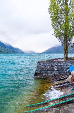 Photo pour Beau lac en Suisse, région jungfrau - image libre de droit