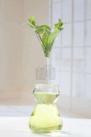 Ätherisches Öl Extraktion Symbol Pfefferminze ätherisches Öl