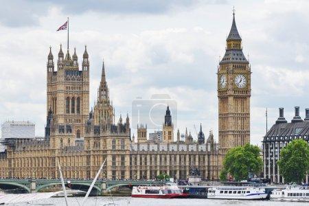 Photo pour Vue de la tour de Big Ben et l'horloge à Londres en Angleterre - image libre de droit