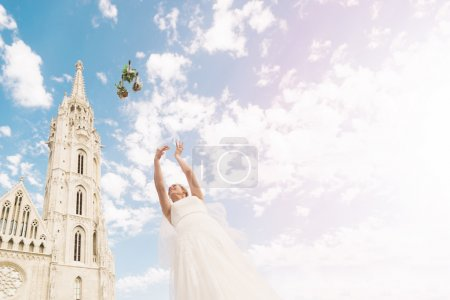 Just Married   Wedding Bouquet Flower Throwing