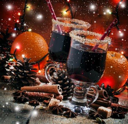 Vino caliente de Navidad con azúcar morena