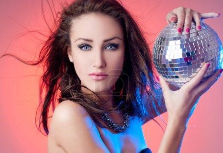 Photo pour Femme de mode avec un beau maquillage - image libre de droit