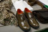 Zelené lakované boty oxford