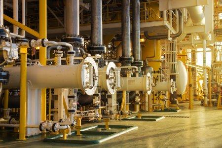 Photo pour Heure limite Gazoducs et oléoducs dans l'industrie pétrolière et gazière . - image libre de droit