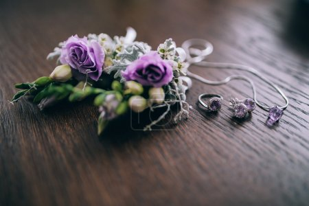 Wedding accessories, jewelry and flowers