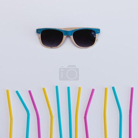 sunglasses with straws