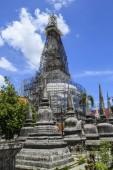 Repair pagoda Wat Phra Nakhon Si Thammarat.