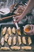 Nő főzés croissant