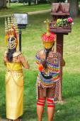 """Постер, картина, фотообои """"Два тайских женщин во время молитвы на открытом воздухе"""""""