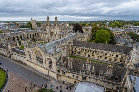 Photo pour Université Église Sainte-Marie-la-Vierge à Oxford, Royaume-Uni - image libre de droit