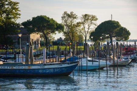 bateaux à moteur à Burano