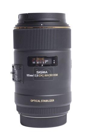 Photo pour Moscou, Russie 16 avril 2021 Sigma AF 105mm f 2.8 Objectif photo appareil photo. - image libre de droit